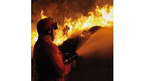 Bombeiros combatem 300 fogos