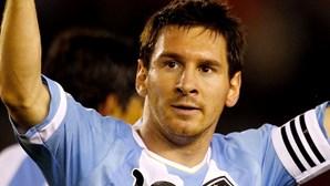 Messi calça botas com chip