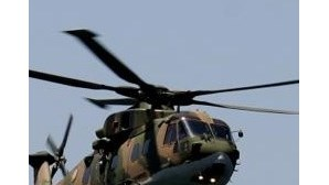 Tripulante de navio retirado por helicóptero devido a doença