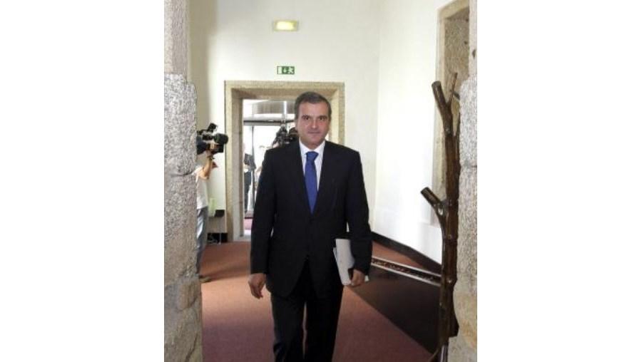 Miguel Relvas garantiu que Portugal vai cumprir meta do défice imposta pela troika
