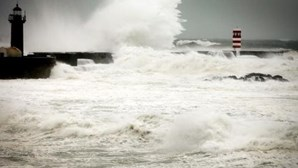 Proteção Civil dos Açores alerta para agravamento do tempo nas nove ilhas