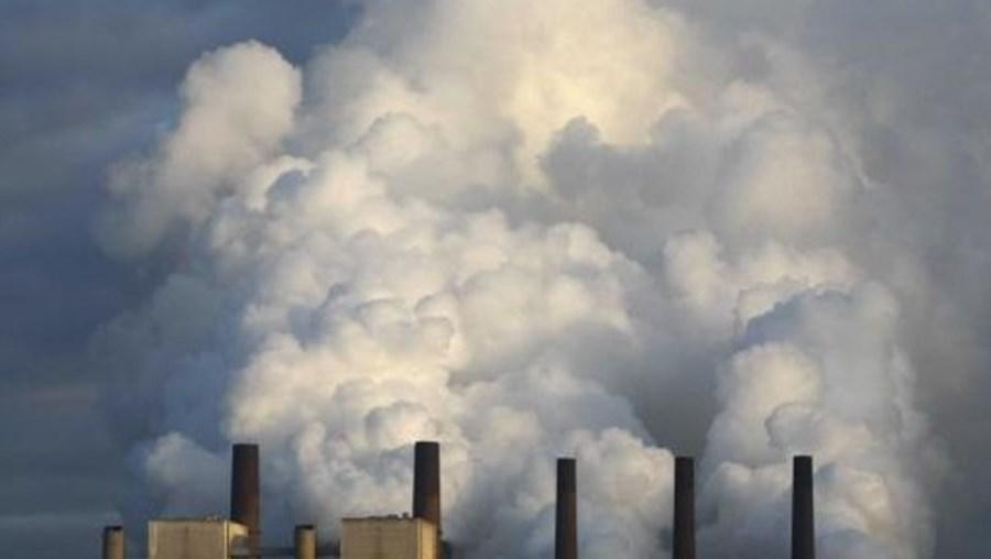 Os principais gases com efeito de estufa responsáveis pelo aquecimento global atingiram novos recordes de concentração em 2010
