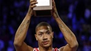 NBA: Derrick Rose fica mais cinco anos nos Bulls