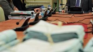 Cavaco dá dois indultos