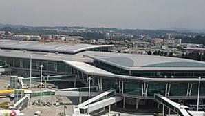 Casal detido no Aeroporto do Porto com 25 quilos de cocaína