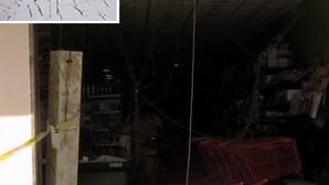 Gang usa carrinha para 'abrir' loja (COM VÍDEO)