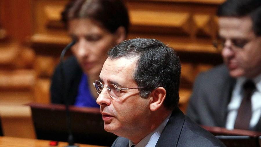 António José Seguro mantém que o limite do défice deve ser inscrito numa lei de valor reforçado