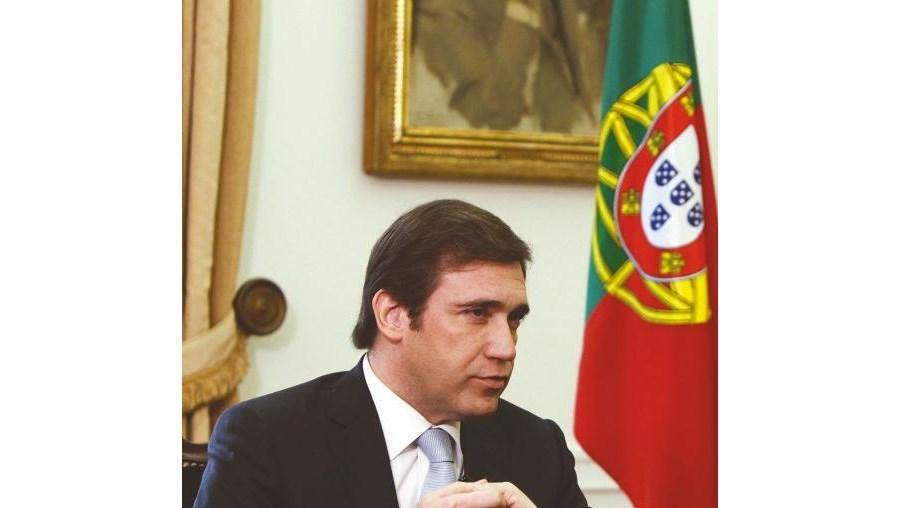 """Passos Coelho: """"Queremos cobrar menos impostos em 2015"""" (COM VÍDEOS)"""