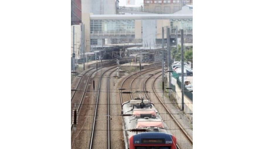 Os trabalhadores da Refer, que gere a rede ferroviária do País, não terão acesso ao subsídio de desemprego