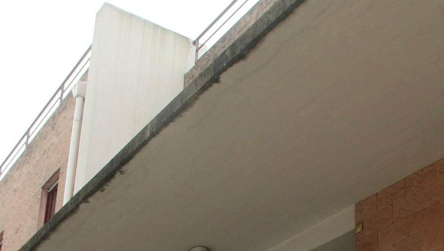 Utentes do centro de saúde do Feijó, Almada, têm de recorrer muitas vezes ao Garcia de Orta