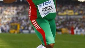 Marco Fortes bate recorde de peso em pista coberta