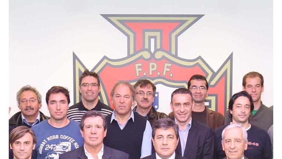 Fernando Gomes reuniu-se com treinadores das selecções