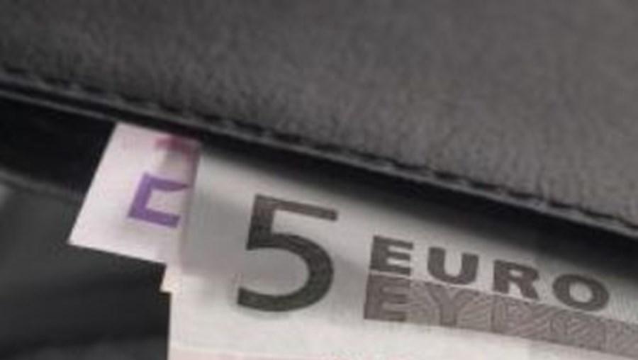 Carteira tinha vários documentos e 115 euros