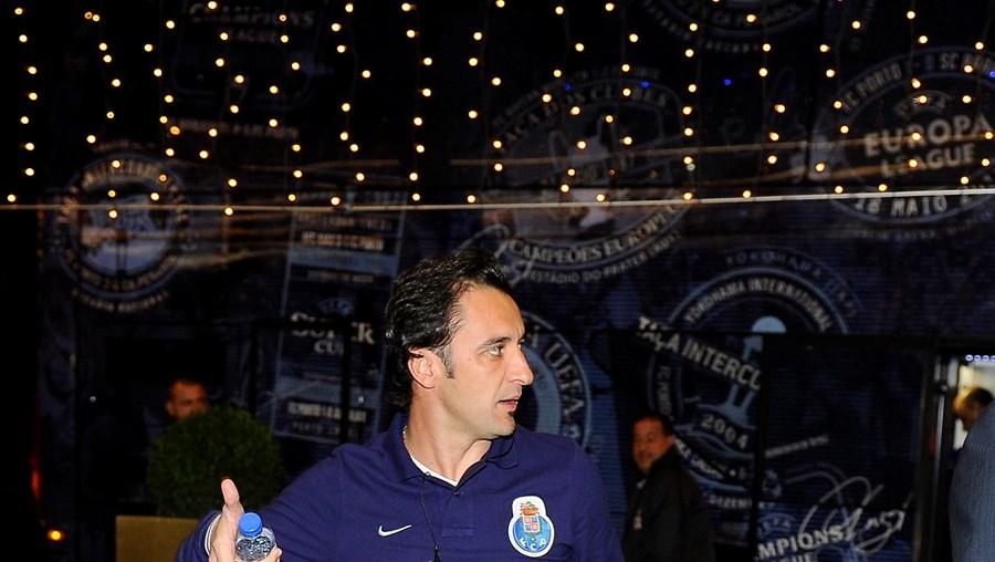 Vítor Pereira (treinador portista) ontem à chegada a Lisboa
