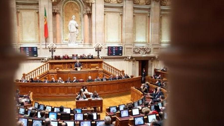 O Parlamento discute na próxima quarta-feira uma petição do Movimento Democrático de Mulheres