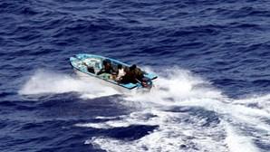 Nigéria anuncia libertação de 10 tripulantes de navio raptados por piratas