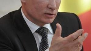 Putin acusa Ocidente de querer mudar regime político no Irão