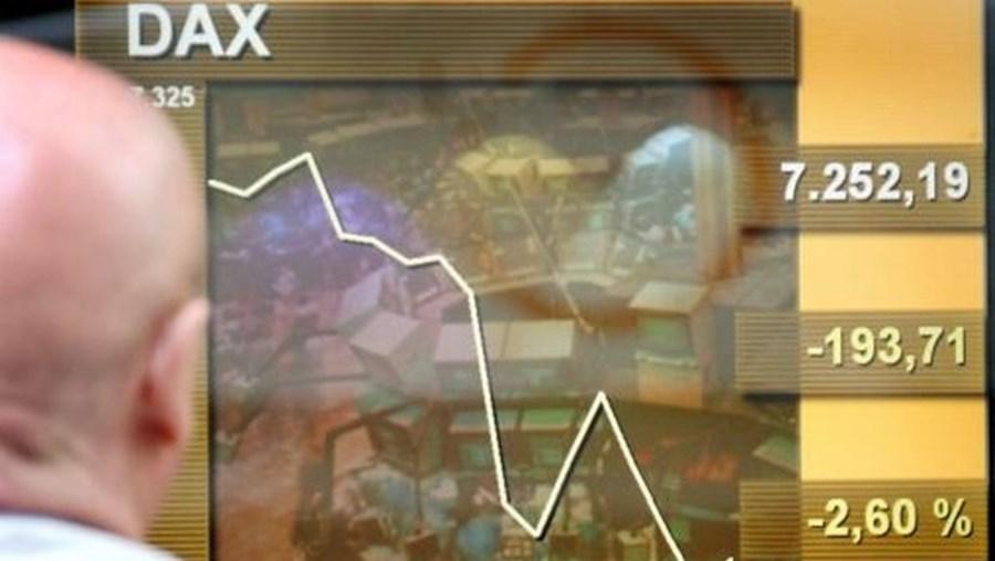 Taxa de juro directora da zona euro deverá ficar inalterada em um por cento