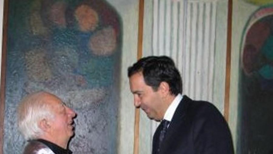"""Fernando Lanhas (à esquerda), em 2007, quando foi distinguido com doutoramento """"Honoris Causa"""" pela Faculdade de Belas Artes do Porto"""