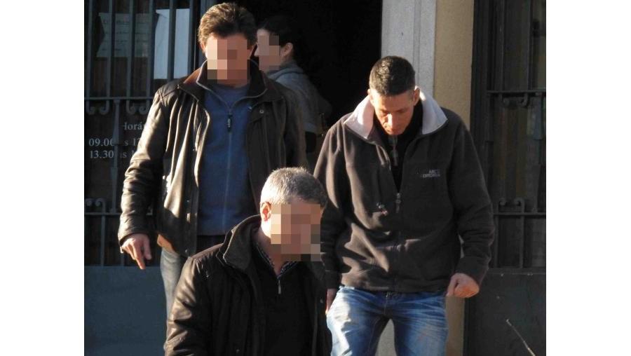 O camionista, de 53 anos e divorciado, saiu do tribunal com os inspectores que o levaram à prisão