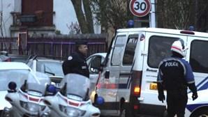Suspeito do massacre de Toulouse cercado pela Polícia