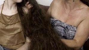 Brasileira de 12 anos tem metro e meio de cabelo