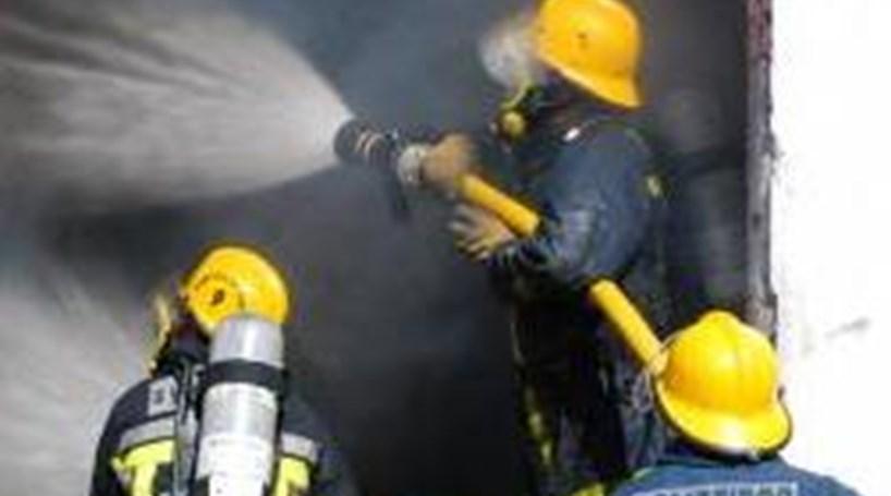 Incêndio em fábrica têxtil de Serzedelo dominado - Portugal ... 3d3e3d1fb93cd