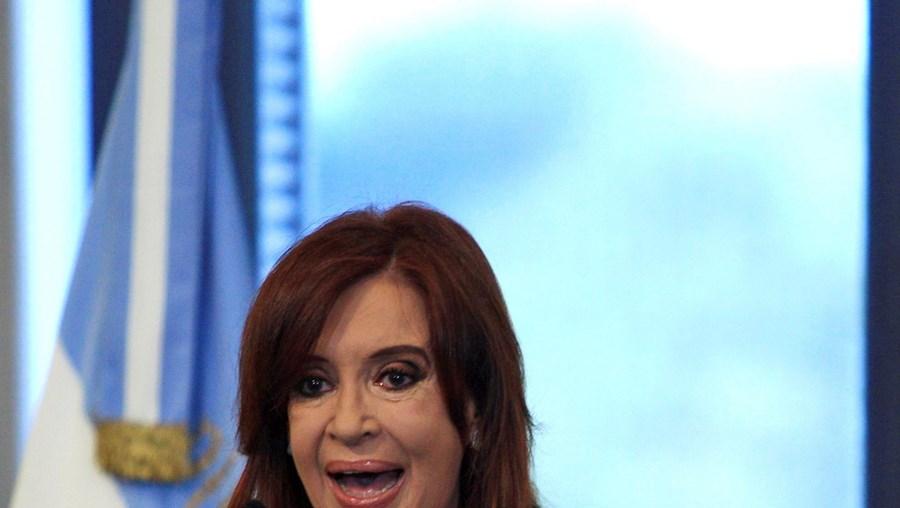 A presidente argentina, Cristina Kirchner, nacionalizou 51% do capital da petrolífera YPF, subsidiária da espanhola Repsol
