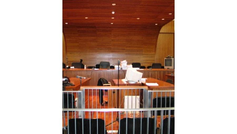 Tribunal de Oliveira de Frades condenou sete pessoas pelo crime de lenocínio, num processo relacionado com o estabelecimento de diversão nocturna 'Karacol'