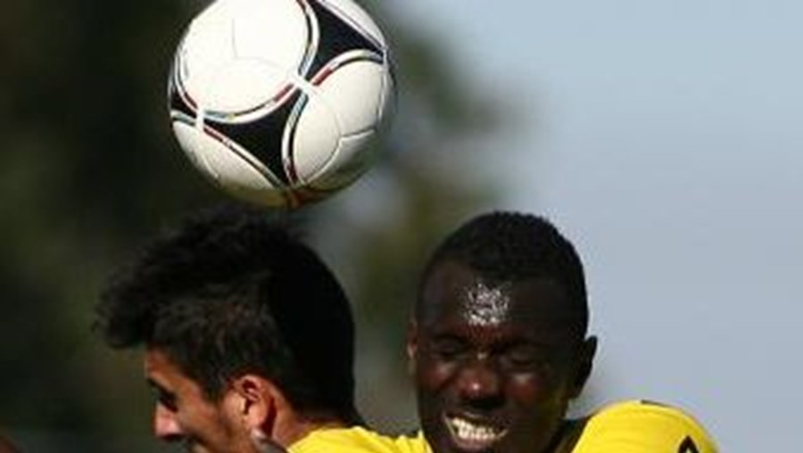 Nené (de amarelo) foi um dos jogadores afectados