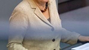 Merkel quer aliança estável