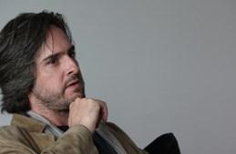 Bernardo da Costa Sassetti Pais nasceu em Lisboa a 24 de Junho de 1970