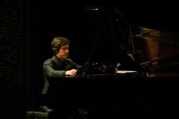 A actuar no Teatro São Luiz em 2007, no aniversário da Assistência Médica Internacional