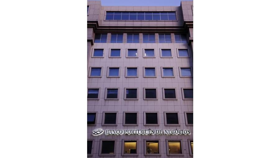 O presidente do conselho de administração do BIC, Fernando Teles, disse em Março que a compra do BPN Brasil estava a ser avaliada pelo Banco BIC Angola e não pelo BIC Portugal, o comprador do BPN