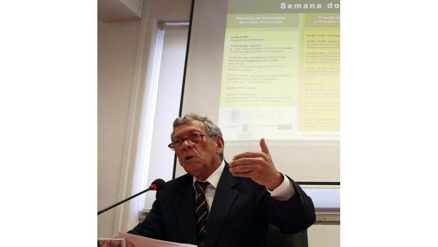 """Graças a este novo documento, """"as partes que terminem o processo por acordo, sem ser por julgamento ou sentença, têm certas vantagens a nível de custas processuais"""", disse Salvador da Costa"""