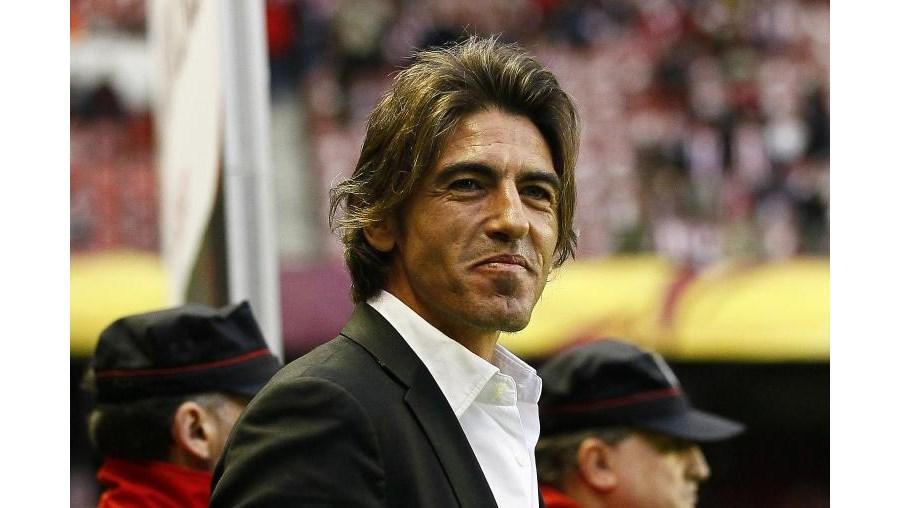Embora Sá Pinto tenha assinado contrato até 2012/13, Godinho Lopes já admitiu publicamente que o técnico irá ficar no clube até 2014