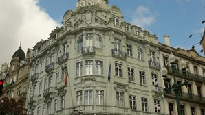 Bancário desvia mais de 500 mil €
