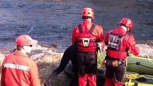 Bombeiros patrulham o Tâmega para garantir segurança das embarcações turísticas