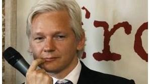 Assange instado a entregar-se à polícia para ser extraditado
