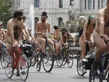 Protesto ciclonudista em Madrid