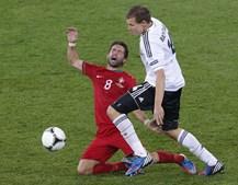 Badstuber foi um dos defesas germânicos encarregues de conter os jogadores portugueses