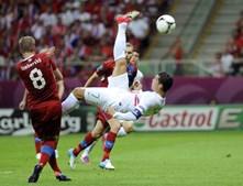 Ronaldo teve o momento mais belo de todo o encontro. Um pontapé de baliza que, por pouco, não deu golo.