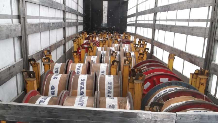 Semi-reboque foi recuperado pela GNR com 60 bobines de fio de cobre, ambos furtados