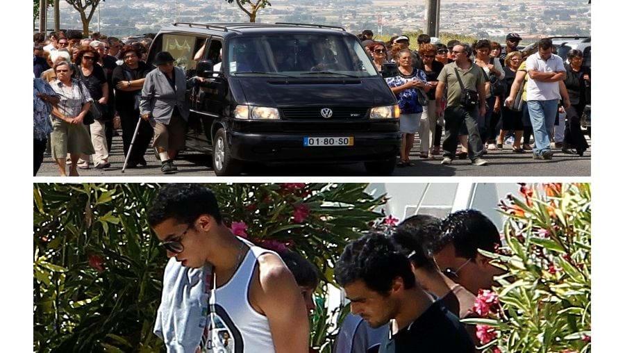 Tiago Vale, 21 anos, foi ontem a enterrar em Palmela. Dezenas de amigos não controlaram a emoção