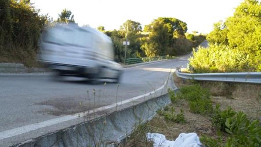 Criança morreu na sequência do choque com um automóvel quando seguia de bicicleta (foto de arquivo)
