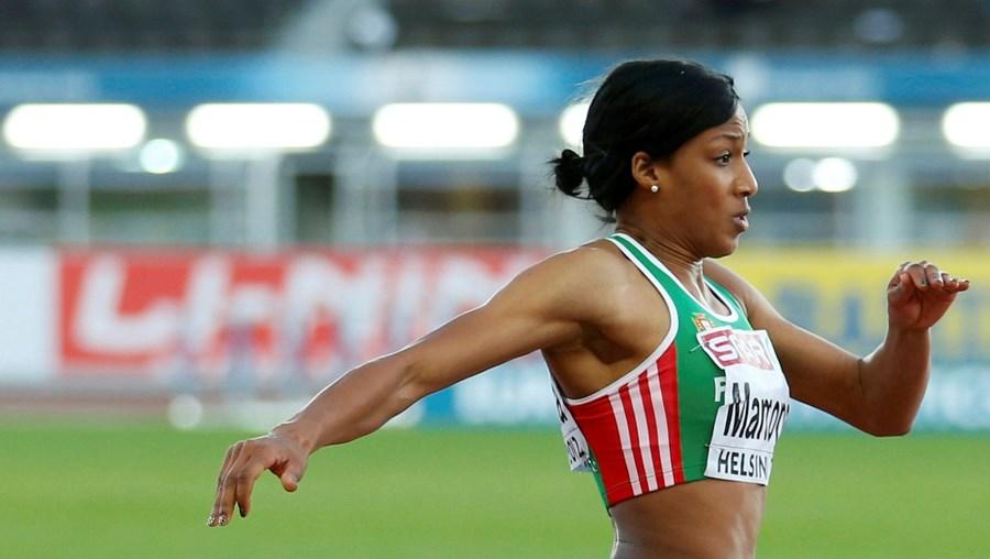 Patrícia Mamona saltou 14,52 metros no primeiro ensaio e melhorou o recorde luso em 10 centímetros
