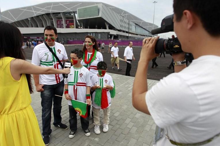 Famílias inteiras rumaram ao Leste da Europa para apoiarem a equipa das quinas