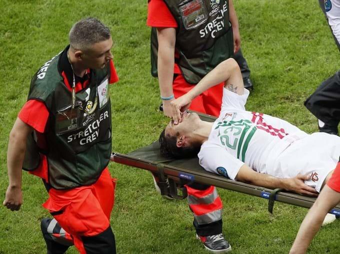 Postiga saiu lesionado ainda na primeira parte e falha o próximo encontro.