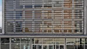 Feijó: Jovens apanham pena suspensa por assalto a mulher