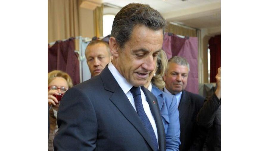 Casa e escritório do antigo presidente francês estão a ser alvos de buscas policiais